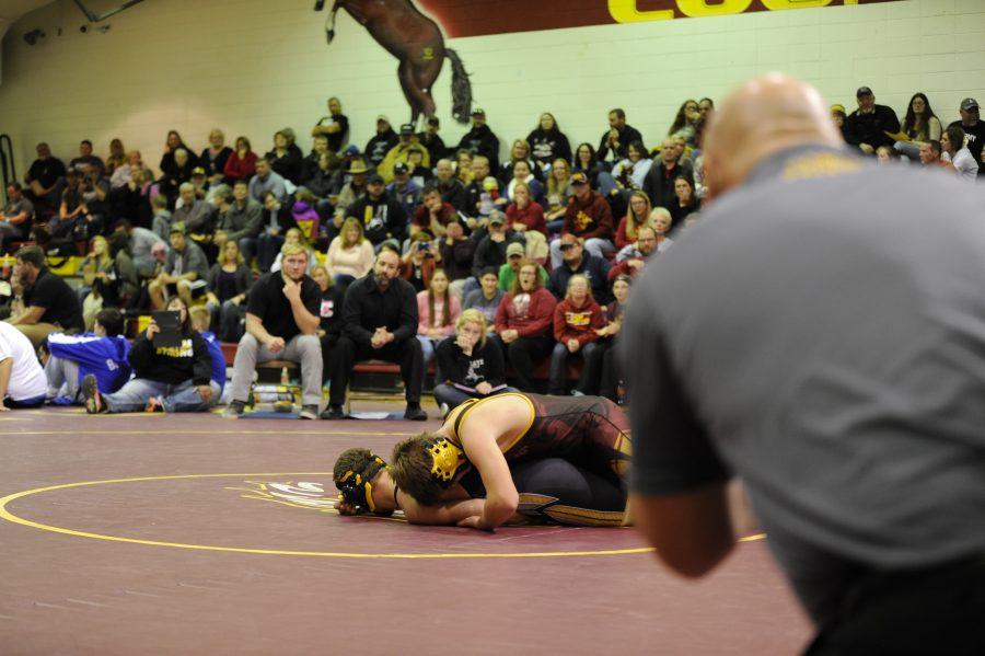 Wrestlers+go+2-1+at+home+quadrangular