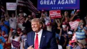 https://www.google.com/url?sa=i&url=https%3A%2F%2Fwww.kimt.com%2Fcontent%2Fnews%2FPresident-Trump-returns-to-Iowa-for-a-rally-in-Des-Moines-572700951.html&psig=AOvVaw0RwEHRvoO10HdVXyPcP6rw&ust=1603841950364000&source=images&cd=vfe&ved=0CAIQjRxqFwoTCPiTsYG30-wCFQAAAAAdAAAAABA6